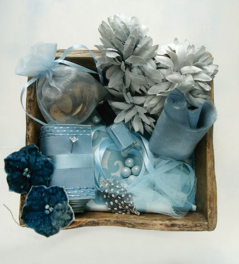 Inspiration_box_blue_Robin_Zachary